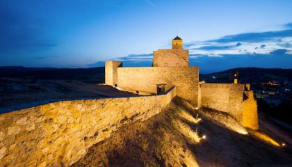 castillo-medieval-benabarre-camping-420x240