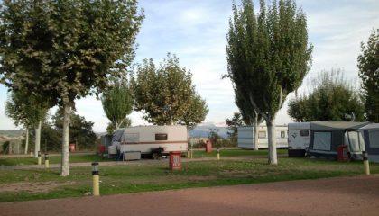 parcelas-temporada-camping-benabarre-montrebei-420x240
